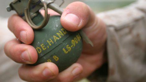 ném lựu đạn